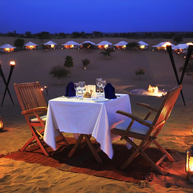 http://www.marocexcursions.com/wp-content/uploads/2018/12/dinner_on_the_dunes1-640x640.jpg